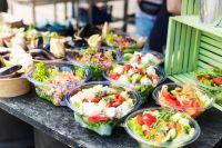 Moderne Salat to go Verpackungen für Gastronomie, Streetfood und Lieferservice