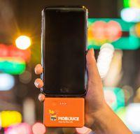 Mit den Powerbanks von Mobijuce kann man das Smartphone überall schnell aufladen. Foto: Mobijuce