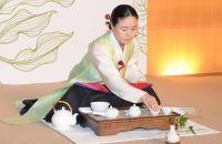Die Vorführung einer traditionellen Teezeremonie. Foto: HKTDC.