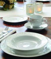 Das klassische Design verleiht dem Porzellan-Service von Loyal Top (Hong Kong) Ltd. einen zeitlosen Charakter. Foto: Firma
