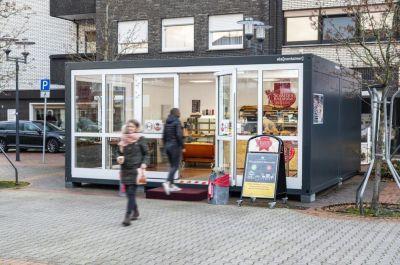 Während der Renovierungsarbeiten setzt die Bäckerei Schäfer auf einen Verkaufsraum aus ELA Containern.