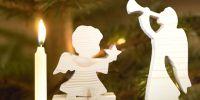 Engelsfiguren aus naturbelassenem Holz sorgen für richtig festliche Stimmung