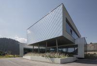 Das Bürogebäude der S. Jaritz Stahlbau & Montage GmbH präsentiert sich mit einer außergewöhnlichen Fassade. (Foto: Boehme Systems)