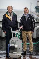 Bernd Clasen und Lennart Clasen (v. l.) im September bei der Challange im Museumshafen.