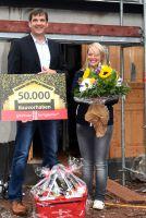 glatthaar-fertigkeller Geschäftsführer, Michael Gruben, überbrachte persönlich die Glückwünsche. Foto: Ines Weitermann/ P&M