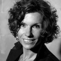 """Sabine Lenzer: """"Relocation Anbieter realisieren Umzug und die Formalitäten schnell und zuverlässig."""""""