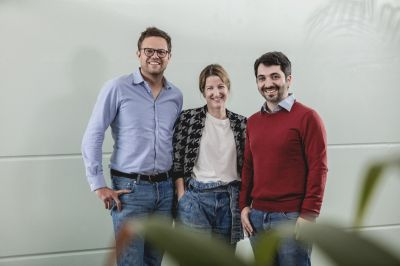 Homeday (vlnr): Steffen Wicker (CEO), Friederike Hesse (COO), Dmitri Uvarovski (CMO) (© Florian Ritter, Homeday)