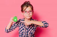 Das schlaue Kinder-Handy amicoo XPLORE verbindet Familien mit  nur einem Tastendruck.
