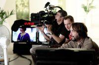 Regisseur und Produzent Nils Loof am Set von Playground:Love im Studio von CHANNEL21