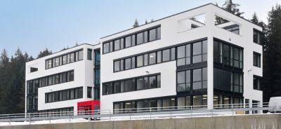 Die neue KUTERO-Firmenzentrale im Gewerbepark der Marktgemeinde Teisnach ist bezogen.