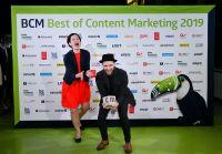 Franziska Runge und Lukas Dylus von Content Fleet bei der BCM Preisverleihung in Hamburg. CMF/picture alliance Frank May