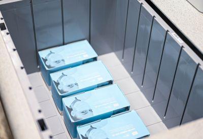 Die vollautomatische Bereitstellung kleinteiliger Artikel via AutoStore sichert die Versorgung mit systemrelevanten Produkten.