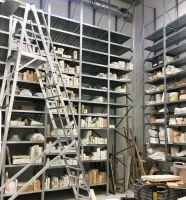 Hahn & Groh lieferte für die Dekorationswerkstätten der Hamburgischen Staatsoper ein ungewöhnlich großes Produktspektrum.