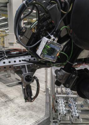 """Das """"EchoRing Notfall Kit"""" von R3 macht Roboter nach einer Kabel-Störung innerhalb weniger Minuten wieder einsatzbereit."""