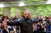Der Onlinemarketing-Experte Joschi Haunsperger war jetzt als Experte beim Weltrekord von Hermann Scherer dabei. Bildquelle: OMKO