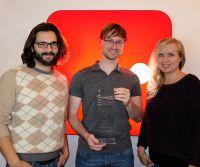 Gründer Dennis Just (Mitte) und das Knip-Team freuen sich über die Auszeichnung