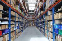 Die im laufenden Betrieb installierten Fachbodenregale sorgen für deutliche LagerplatzverdichtungBildquelle: Kübler Sport GmbH