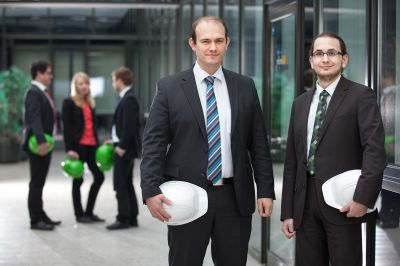 Das maintcare Team: v.l. Fachbereichsleiter Björn Lambertz, SAP Consultant Philipp Rammos