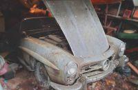 Ein Vater zu seiner Tochter: Zum Schulabschluss mit Auszeichnung bekommst Du ein altes Auto.