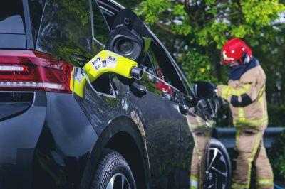 Sicher: Der Emergency Plug kann ohne Werkzeug blitzschnell bei allen gängigen Fahrzeugen eingesetzt werden