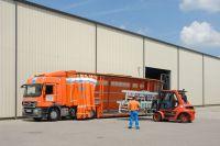 Maschinentransporte: 08/15 ist Alltag in der Spedition. Herausforderungen aber liebt man: Verladung in Boxberg an der A81.