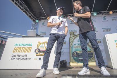 Der Launch-Event in Stuttgart mit Formel 1 Star Valtteri Bottas (© PETRONAS)