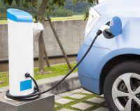 Darum ist die Entscheidung der Bundesregierung zu den Elektroautos richtig - Bild: Tom Wang // shutterstock.com