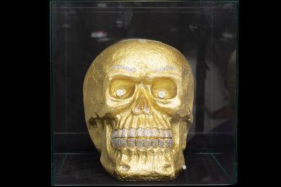 Goldener Totenkopf für einen prominenten Stardesigner