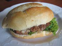 Das Juli-Brötchen quasi der FUN-BAR Burger