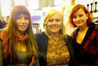 diffstore - Gründerin Isabell Schmidtke mit Models Asli Kaynak und Michelle Bothur. Foto: Luzie Burkhardt