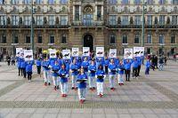 HAU(P)TSACHE KEIN PELZ! Aufsehenerregende Aktion vor dem Hamburger Rathaus
