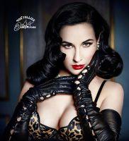 Dita Von Teese bei Miracle Women: Sexy Dessous auch in großen Größen