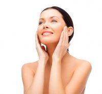 Kosmetik für die sensible, irritierte und empfindliche Haut (Bild: Syda Productions – Fotolia.com)