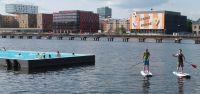 Stand-Up Paddeln in Berlin am Pool des Badeschiffs