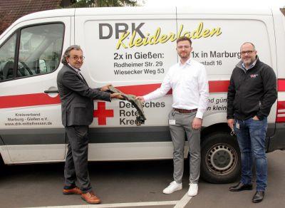 Tie Solution GmbH spendet an DRK Mittelhessen Winterschals (© Tie Solution GmbH )