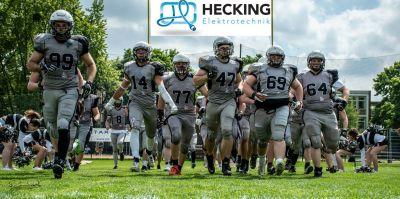Hecking Elektrotechnik sponsert im zweiten Jahr das Damen- und Herrenteam der American Footballer des MG Wolfpack.