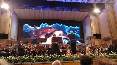 """""""Mathis der Maler"""",  pralle akustische Highlights vor multimedialen Bühnenhintergründen"""