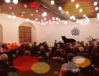 Zahlreiches Publikum beim Konzert von Maak & Albertz in Torgau