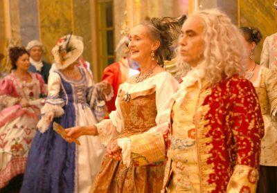 Barocker Hofball im Fürstensaal des Stadtschlosses zu Fulda unter der Anleitung von Tanzmeisterin Jutta Voß