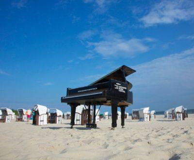Strandflügel des Usedomer Musikfestivals an der Grenze zu Polen im Ostseebad Ahlbeck