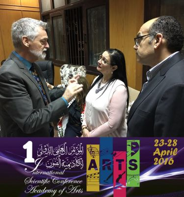 Dieter Topp (l.) Präsident KulturForum Europa im Gespräch mit Prof. Dr. Younus und Prof. Nagaty (r.)