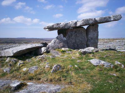 Viele Deutsche lieben die irische Landschaft und die irische Kultur