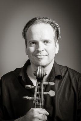 Cellobauer Thorsten. Sein Motto: Wer nicht besser wird, wird schlechter - Foto: Copyright by Thorsten Theis