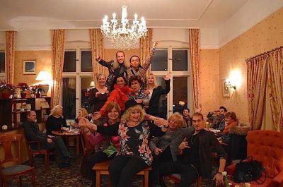 Proben zur ersten Bühnenshow von Entertainer Julian F.M. Stoeckel im Kult Hotel Auberge