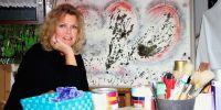 Christa Jäger-Schrödl im Atelier