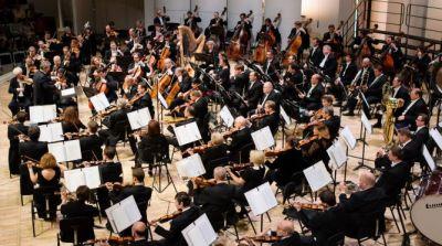 Das Staatliche akademische Große Tschaikowski-Sinfonieorchester unter der Leitung von Maestro Wladimir Fedosejew.