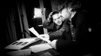 Regisseur M.A. Littler und Hauptdarsteller Alain Croubalian bei der Drehbuchbesprechung