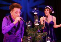 Originelle Weihnachtsshow als Unterhaltung für Weihnachtsfeier biten Show Künstler und Artisten