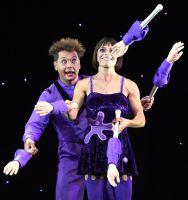 Unterhaltungskünstler Sabrina und Blub mit Comedy Jonglage Show bei Betriebsfeier der Sparkasse