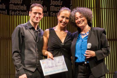 Best Yiddish: Yoed Sorek und Susanna Klovsky mit Shura Lipovsky (v.l.).  Foto: Jan Penninkhof